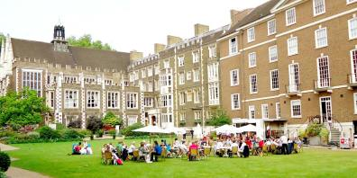 Outdoor_Wedding_Ideas_Middle_Temple_Hall_Prestigious_Venues