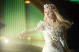 """OZ: THE GREAT AND POWERFUL""Michelle Williams centerPh: Merie Weismiller Wallace, SMPSP©Disney Enterprises, Inc. All Rights Reserved."
