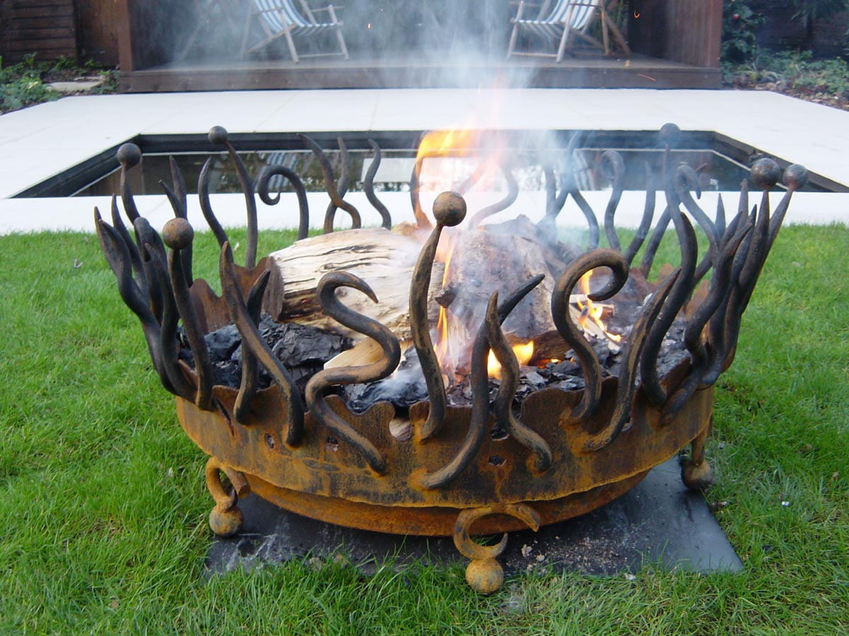 Cool Fire Pits For Your Backyard