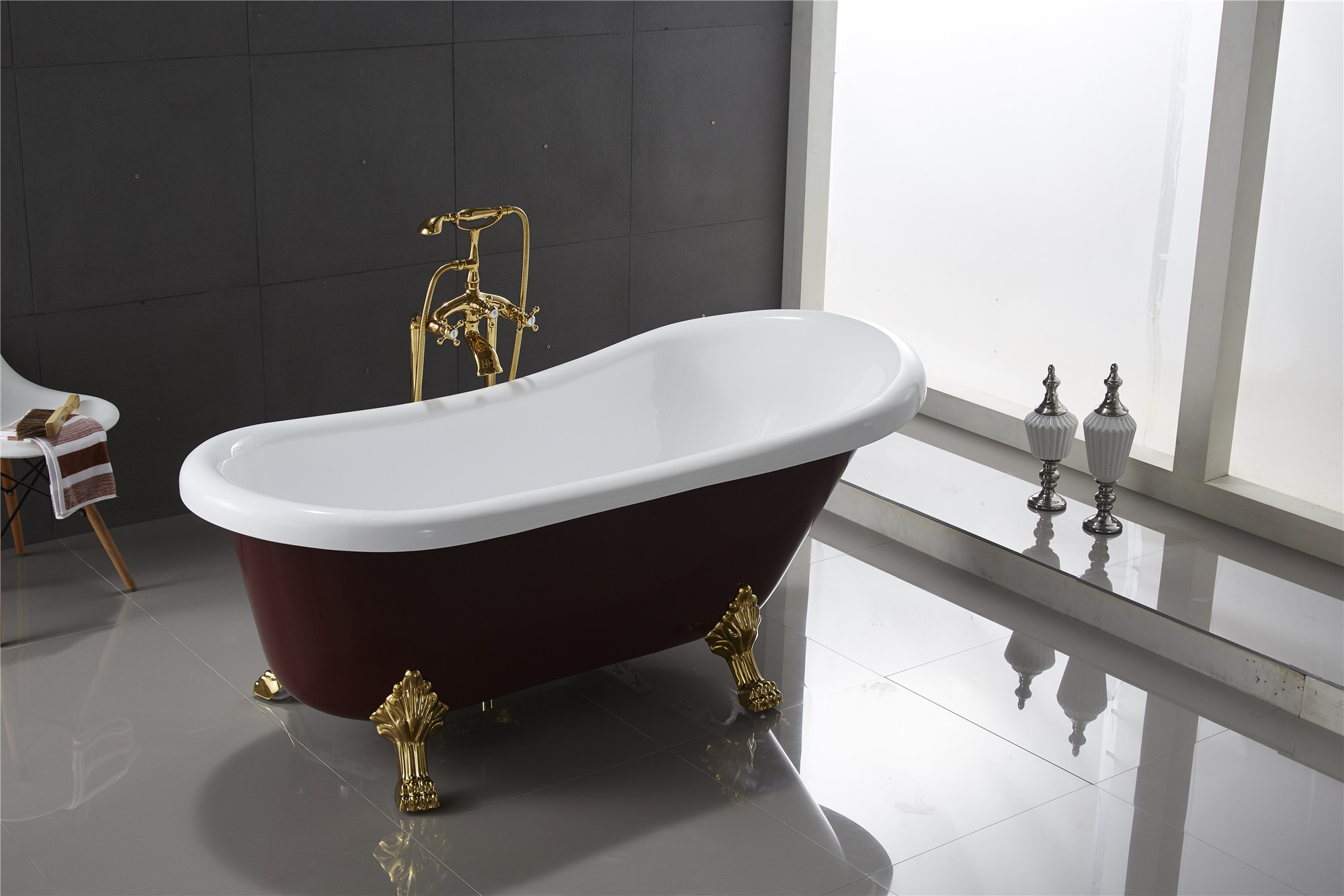 Classic Clawfoot Tub w Regal brass Lion Feet Gold