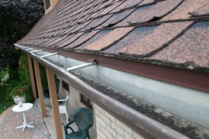 How Many Slopes a Gutter Guard Should Have?