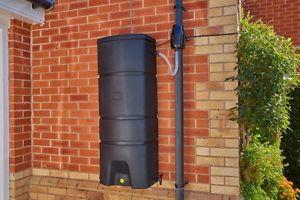 How to Add a Pump to a Rain Barrel