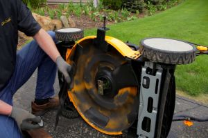 How to Change the lawn mower blade