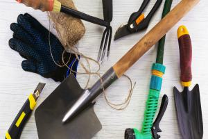 How to Maintain Your Garden Tools