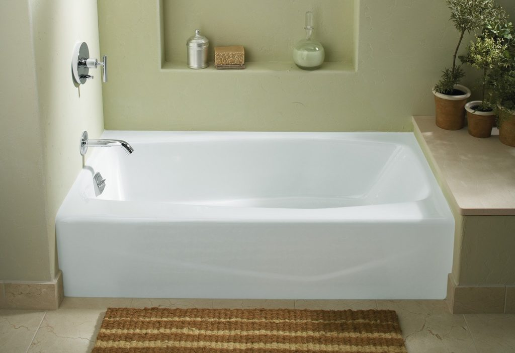 Bathtub for elderly 5 best bathtubs for seniors in 2018 for Deep built in bathtubs