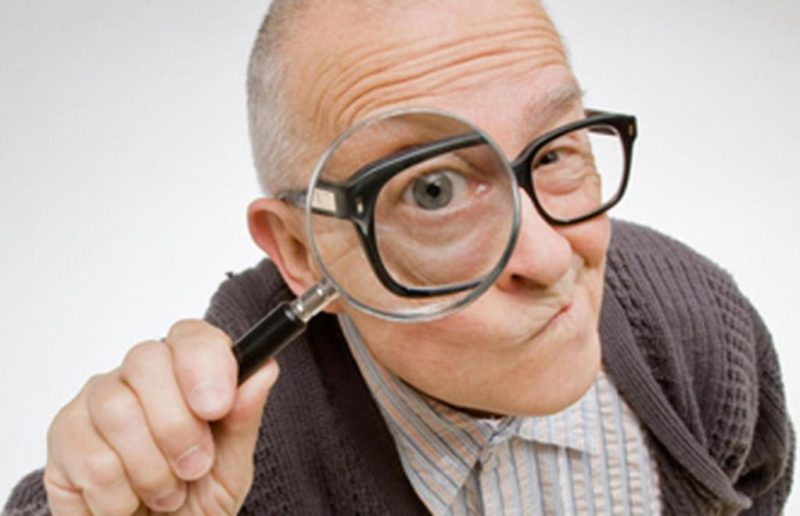 What to Look Out for When Shopping for Mobile Phones for the Elderly