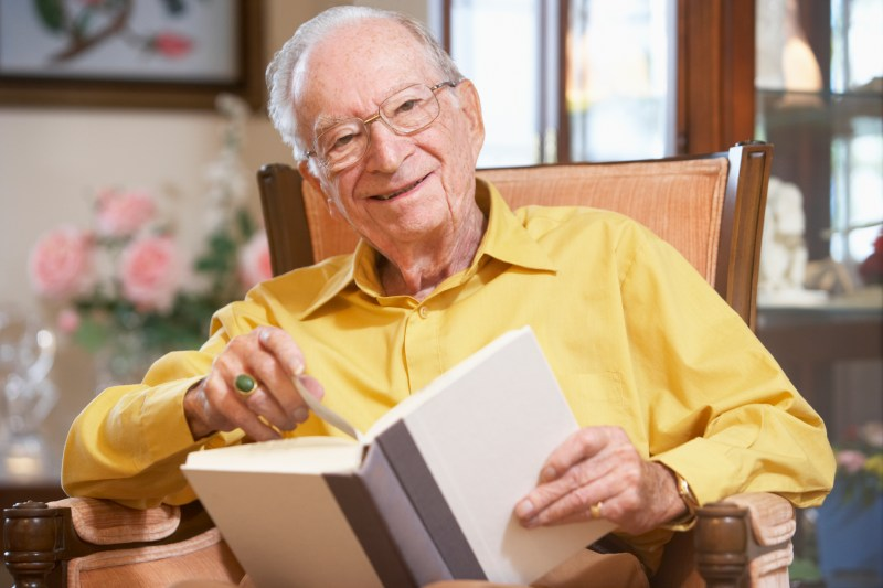 Reading And Keeping An Active Mind Can Tackle Dementia In Seniors