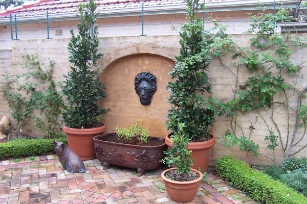 Lion Head Spout Water Fountain Design Ideas