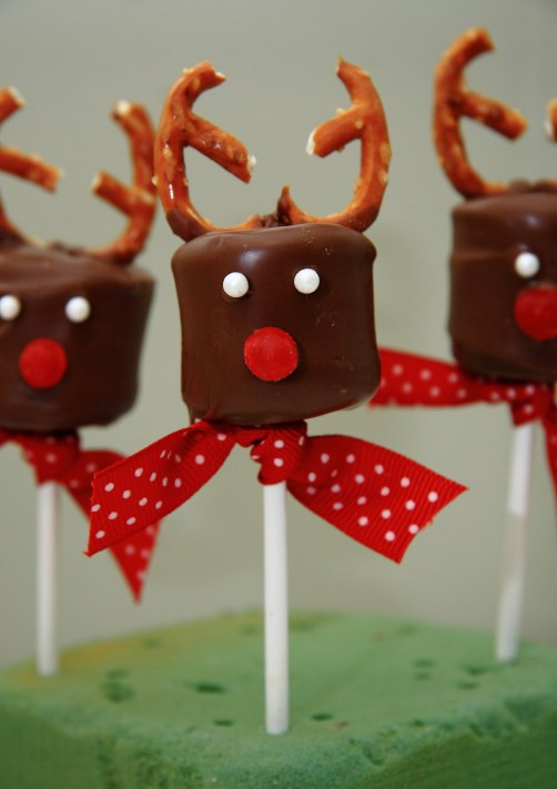 Christmas Reindeer Desserts  Best Friends For Frosting
