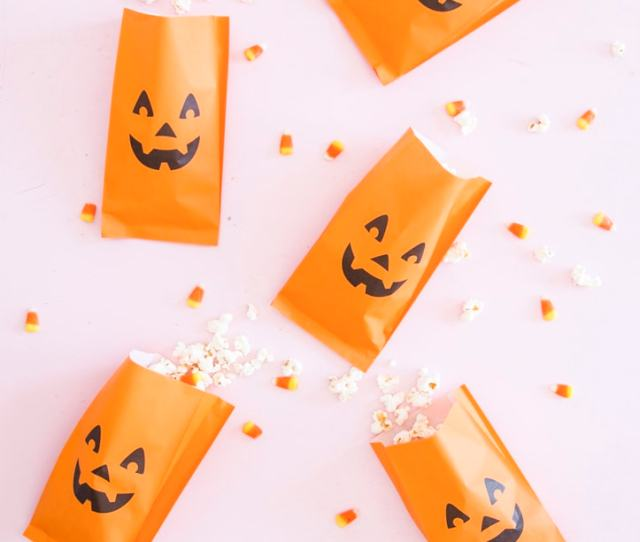 Not Only Does The White Chocolate Give The Treat A Cleaner Look But It Makes It Extra Sweet And Candy Corn Is Of Course A Traditional Halloween Staple