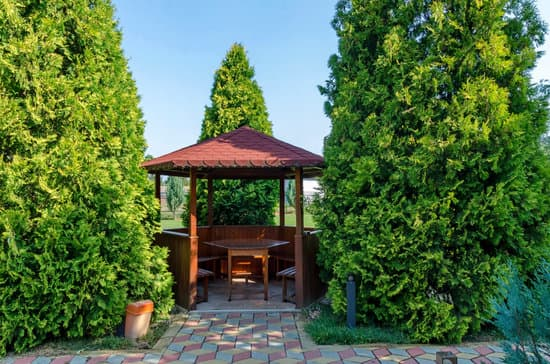 Does A Gazebo Or Pergola Need Footings?