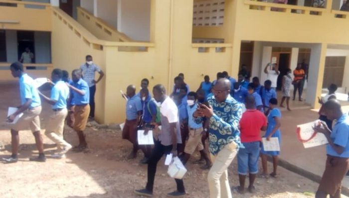 Akropong: Blind Students Protest Against Headmistress For Mismanagement