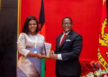 [PHOTOS] YDUA AWARDS THE MALAWIAN PRESIDENT