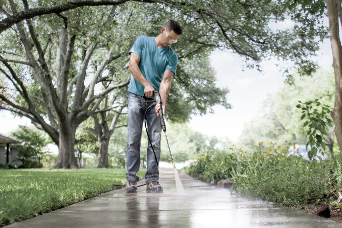 Best Pressure Washer for Concrete Driveways - Reviews for 2019