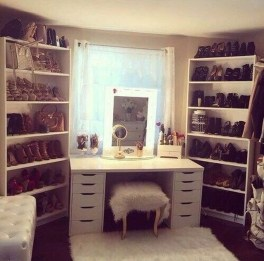 Amazing Closet Room Design Ideas For The Beauty Of Your Storage18