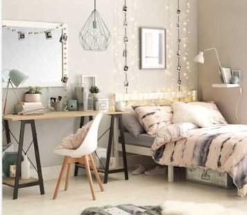 Attractive Teenage Bedroom Decorating Ideas For Comfort In Their Activities12