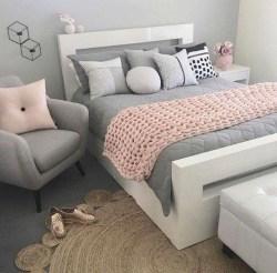 Attractive Teenage Bedroom Decorating Ideas For Comfort In Their Activities20