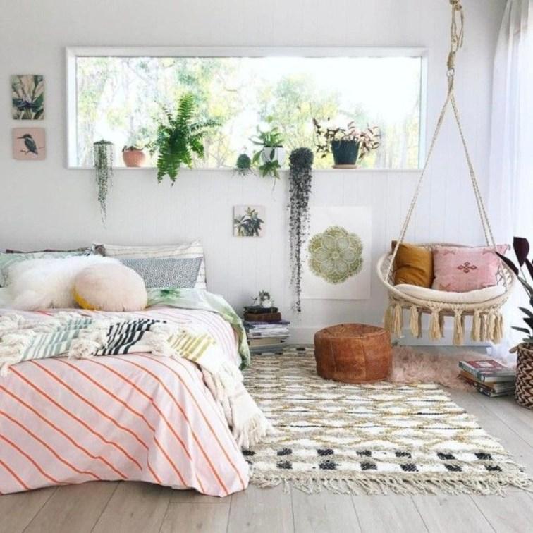 Attractive Teenage Bedroom Decorating Ideas For Comfort In Their Activities21