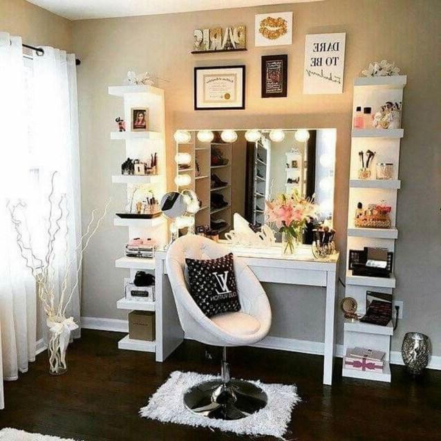 Attractive Teenage Bedroom Decorating Ideas For Comfort In Their Activities42