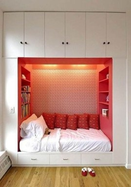 Awesome Bedroom Storage Ideas For Small Spaces15