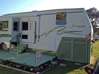 Best Wonderful Rv Camping Living Decor Remodel03