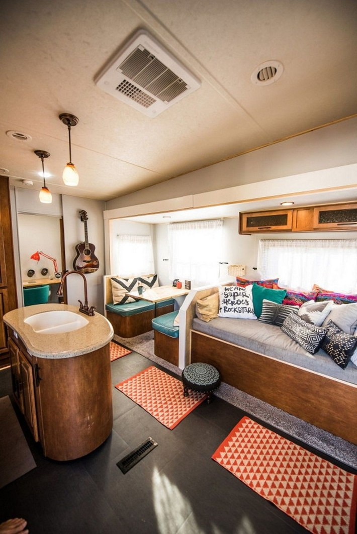 Gorgeous Rv Living Decoration For A Cozy Camping Ideas15