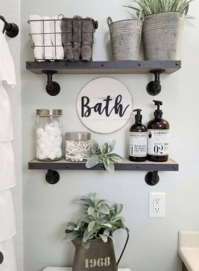 How To Decorate Your Small Bathroom Become More Comfortable And Beautiful43