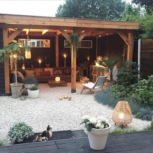 Amazing Backyard Decoration Ideas For Comfortable Your Outdoor07