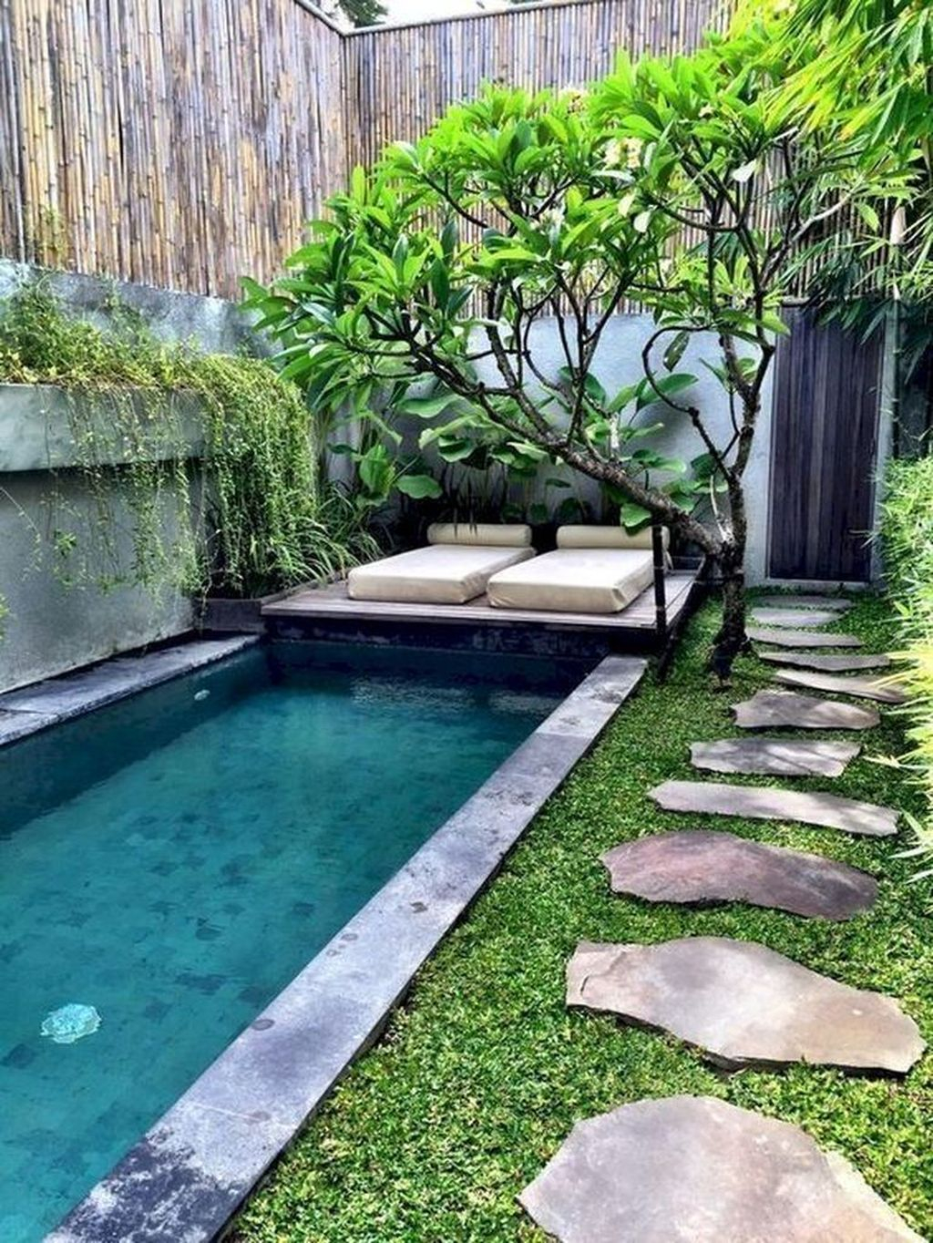 Amazing Backyard Decoration Ideas For Comfortable Your Outdoor50