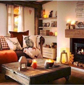Attractive Winter Living Room Decoration Ideas For Warmth In The House14