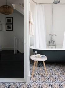 Beautiful Minimalist Bathroom Design Ideas For Your Home02