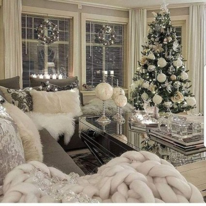 Best Christmas Living Room Decoration Ideas For Your Home14