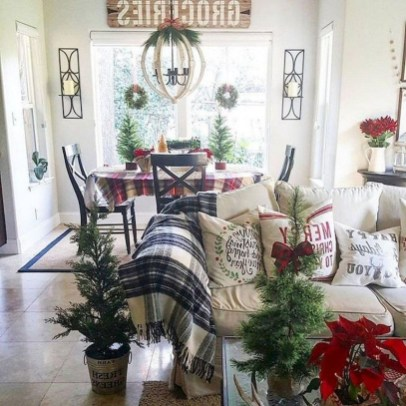 Best Christmas Living Room Decoration Ideas For Your Home33