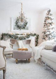 Best Christmas Living Room Decoration Ideas For Your Home35