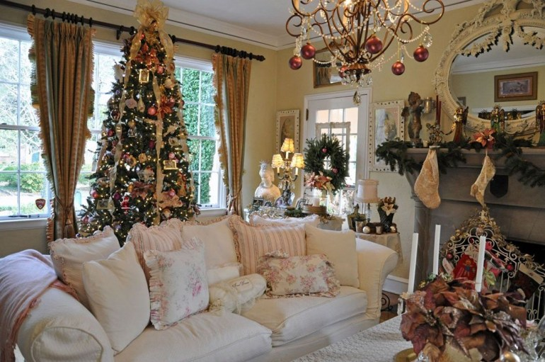 Best Christmas Living Room Decoration Ideas For Your Home41