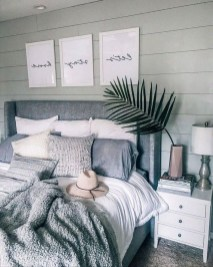 Cozy Bedroom Design Ideas To Make Your Sleep More Comfortable12