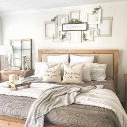 Cozy Bedroom Design Ideas To Make Your Sleep More Comfortable27
