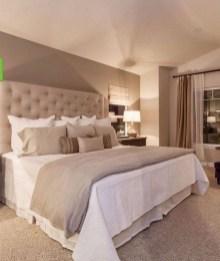 Cozy Bedroom Design Ideas To Make Your Sleep More Comfortable28