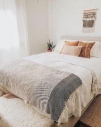 Cozy Bedroom Design Ideas To Make Your Sleep More Comfortable29