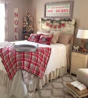 Impressive Christmas Bedding Ideas You Need To Copy08