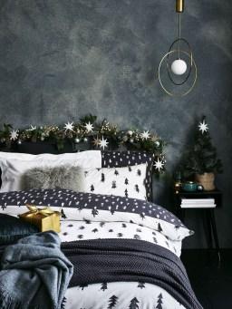 Impressive Christmas Bedding Ideas You Need To Copy15