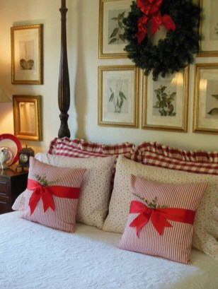 Impressive Christmas Bedding Ideas You Need To Copy25