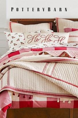 Impressive Christmas Bedding Ideas You Need To Copy26