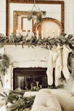 Marvelous Rustic Christmas Fireplace Mantel Decorating Ideas08