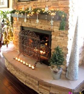 Marvelous Rustic Christmas Fireplace Mantel Decorating Ideas24