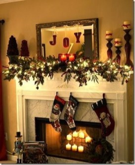 Marvelous Rustic Christmas Fireplace Mantel Decorating Ideas34
