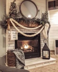 Marvelous Rustic Christmas Fireplace Mantel Decorating Ideas36