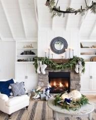 Marvelous Rustic Christmas Fireplace Mantel Decorating Ideas38
