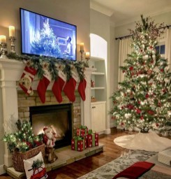 Marvelous Rustic Christmas Fireplace Mantel Decorating Ideas41