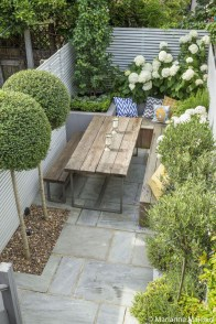 Minimalist Creative Garden Ideas To Enhance Your Small House Beautiful02